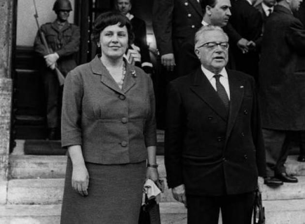 AccaddeOggi  4 dicembre 1999  Muore Nilde Iotti (PCI)  prima Presidente donna della Camera