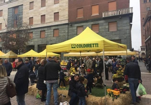 Coldiretti Natale con Campagna Amica, domenica 8 dicembre in piazza Stradivari a Cremona