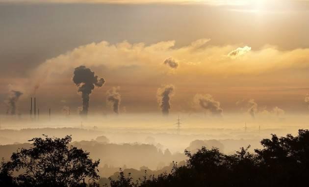 Piacenza Sforati i limiti di Pm10, da martedì 10 a giovedì 12 dicembre.Decise misure emergenziali anti smog