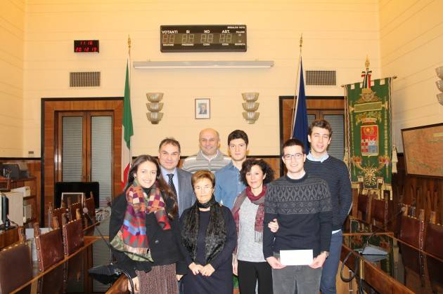 Cremona Provincia premiati  studenti con  borsa di studio  'Comprensorio Dell'argine Maestro Al Fiume Po'