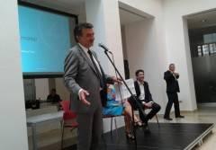 Cremona Net4market ha donato un defibrillatore al Comune e generi alimentari alla Caritas