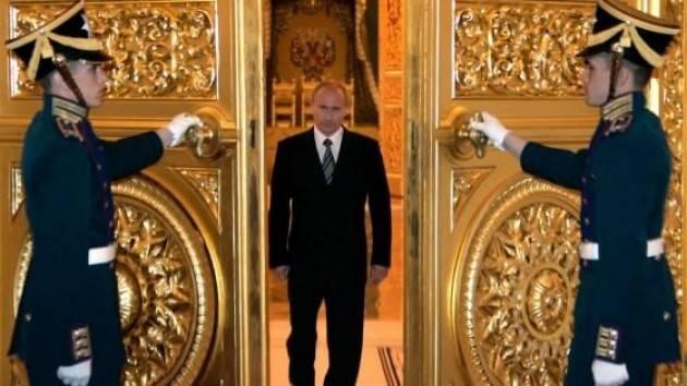 Russia – Europa: l'Orso gioca le sue carte per uscire dal letargo