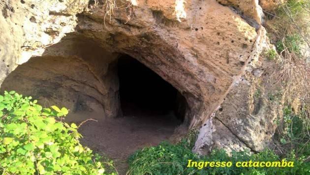 Il sito archeologico di Miragliano .. Lato Est del fiume Mazaro con sepolcri, catacombe e  la bizzarra effige... di un extra-terrestre ?