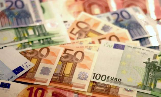Italia, da luglio 2020 scende il tetto dei pagamenti in contanti da 3 a 2.000 euro