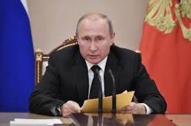 Russia: Putin e la mossa del cavallo per tenersi il potere