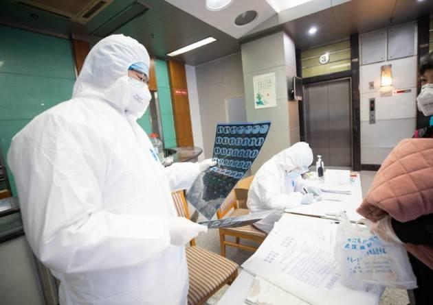 Coronavirus, Cina: ''Due farmaci efficaci''. L'Oms frena: ''Non ci sono terapie note''