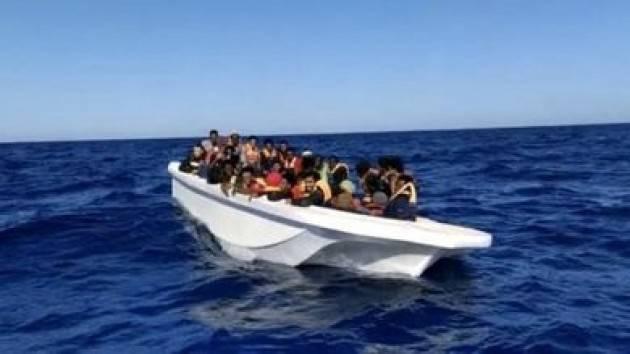 Migranti: Viminale aumenta i rimborsi per gli stranieri accolti, Salvini insorge