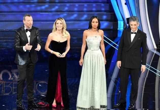 Come viene scelto il vincitore di Sanremo?