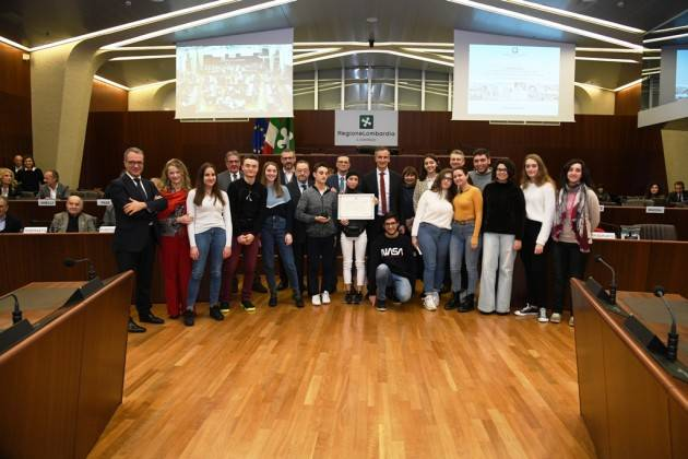 Lnews CRLombardia Esodo giuliano-dalmata-istriano: in Aula consiliare premiati i vincitori