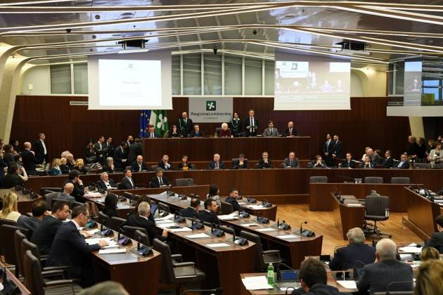 Lombardia Visita della Senatrice Segre in Consiglio regionale: 'Fermiamo quel mondo che corre verso una deriva d'odio'