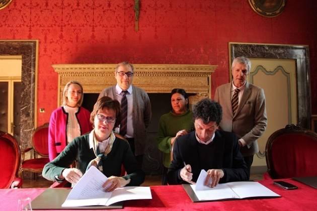 Sensibilizzare al dono del sangue: siglato l'accordo tra Comune e AVIS Cremona