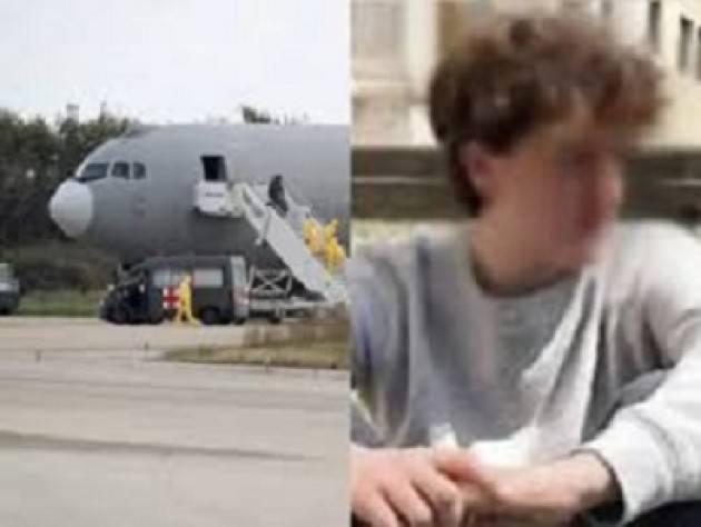 Partito da Wuhan l'aereo che riporterà Niccolò in Italia