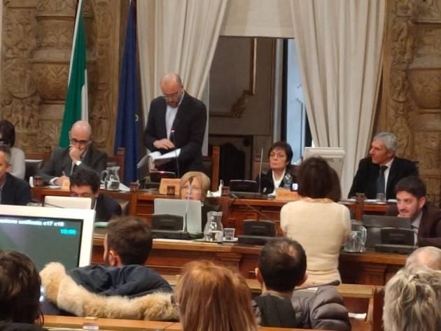 Cremona Il Consiglio Comunale STOPPA, all'unanimità , la Fondazione sul progetto del parco fotovoltaico a terra