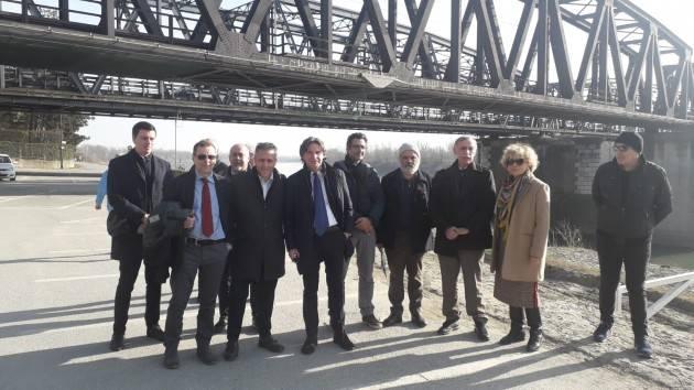 Cremona Consegnate ufficialmente dall'AIPo al Comune alcune aree di Lungo Po Europa
