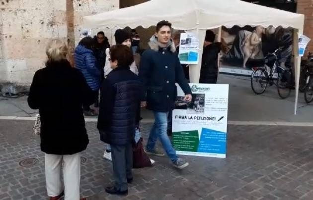 Agostino Boschiroli (Confesercenti ) Stiamo raccogliendo firme per salvaguardare  il commercio di vicinato a Cremona (Video G.Carlo Storti)