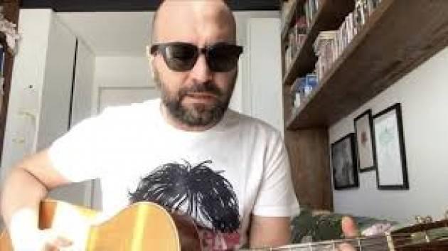 Giuliano Sangiorgi dei Negramaro scrive un brano inedito dedicato al Coronavirus - video e testo
