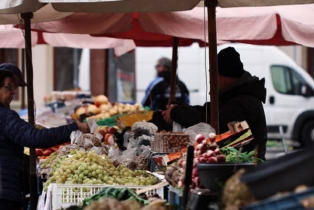 Emergenza sanitaria, sospeso anche il mercato di questa mattina