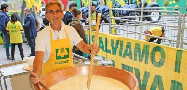 Coronavirus, Coldiretti denuncia speculazioni sul latte Voltini: 'Serve responsabilità, ognuno faccia la sua parte'
