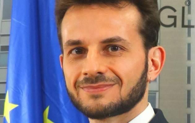 Degli Angeli (m5s Lombardia) IN LOMBARDIA LA LEGA ED IL CENTRO DESTRA NON SONO  NEMMENO IN GRADO DI SMISTARE LE MASCHERINE!