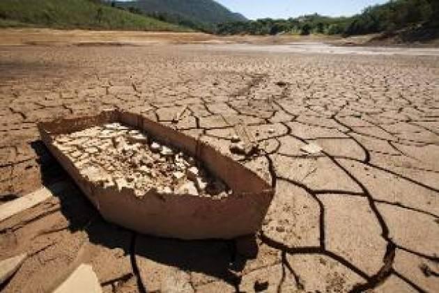 Il coronavirus non ferma l'agricoltura italiana: si comincia a irrigare, ma al Sud è emergenza acqua
