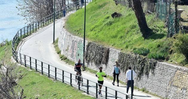 Francia inasprisce restrizioni su jogging e mercati