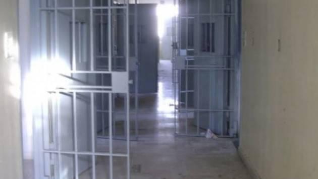 Serbia: 100 in carcere per aver violato autoisolamento