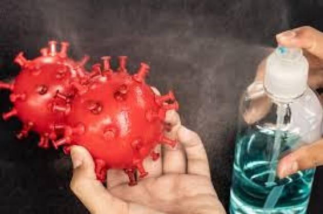 Per difendersi dal coronavirus i casi di intossicazione da disinfettanti sono cresciuti del 65%