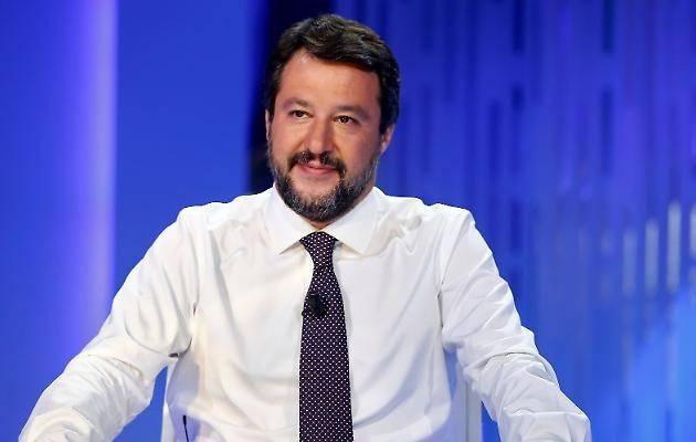 Salvini: ''Investimenti illimitati o sarà scontro sociale''