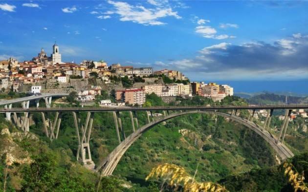 Calabria, chiusi 5 Comuni in provincia di Catanzaro