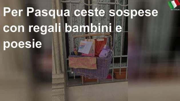 Ceste sospese per Pasqua con i regali per i bambini e le poesie: sono 50 in tutta Milano
