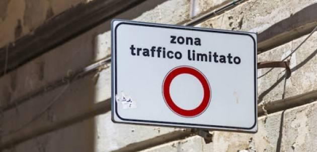 Bergamo, ZTL e pagamento della sosta sospesi fino al 3 maggio