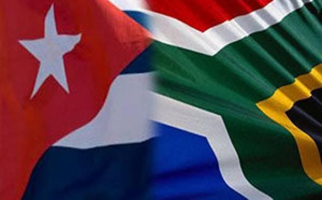 Cuba invia 216 operatori sanitari in Sudafrica