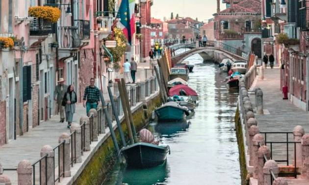 Turismo e coronavirus: l'Europarlamento chiede un sostegno unitario e forte