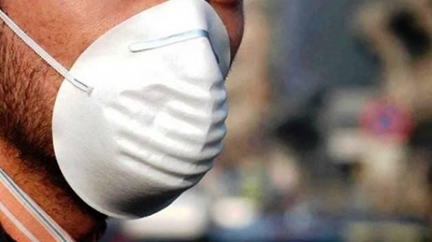 Nascondono droga dietro mascherina, 2 arresti