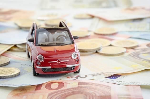 RC auto: a Cremona crollo record dei premi (-20%), ma i prezzi risaliranno