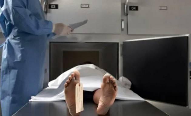 I medici legali: ''Un grave errore non fare autopsie''