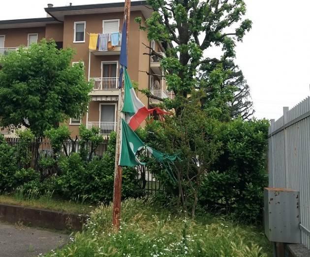 M5S (Crema) Bandiere Via Meneghezzi