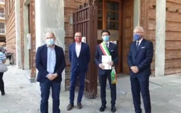 Cremona L'iniziativa 'Siamo Cittadini' del 2 giugno 2020  si è svolta nel cortile del MdV
