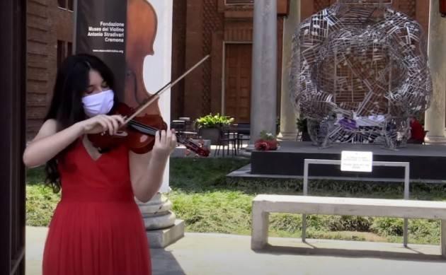 la Festa della Repubblica e la riapertura del Museo del Violino di Cremona salutate dall'Inno Italiano