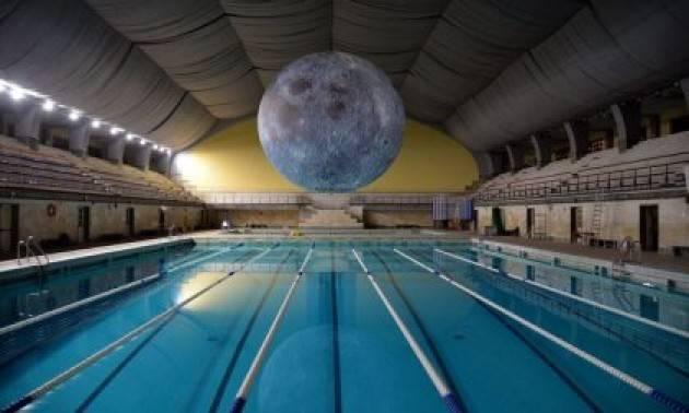 A Milano 1.500 persone in piscina e 3.500 prenotazioni