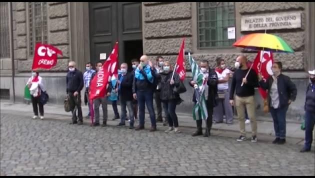 Cremona Cgil-Cisl-Uil Sciopero scuola, governo inesistente Presidio di oggi 8 giugno riuscito (Video G.C.Storti)
