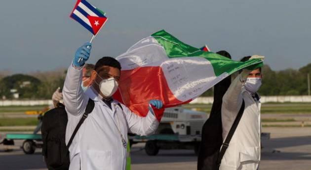 Cuba, rientrati medici e infermieri inviati in Lombardia