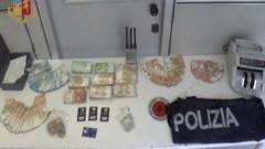 Milano: 8 arresti e 100mila euro nascosti in un ''finto'' muro - VIDEO