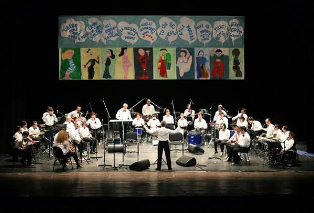 Castelleone (Cremona)  Magicamusica stasera , 25 giugno. a 'Striscia la notizia'