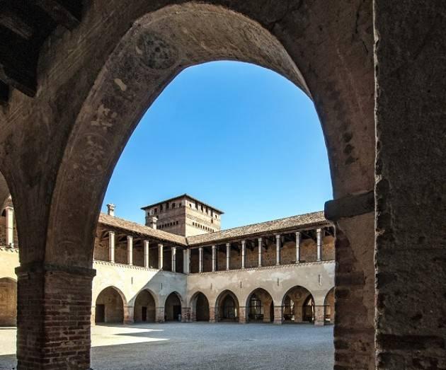 A partire da sabato 4 luglio 2020, il castello visconteo di Pandino accoglierà di nuovo i visitatori al proprio interno.