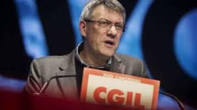 Lavoro: Landini (Cgil)  'Il mercato ha fallito. Servono più Stato e zero precarietà'