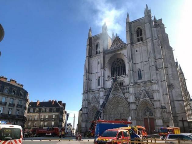Incendio nella cattedrale di Nantes: fermato un uomo