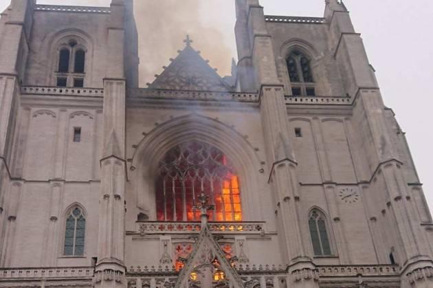 Incendio doloso cattedrale di Nantes: il volontario ha confessato