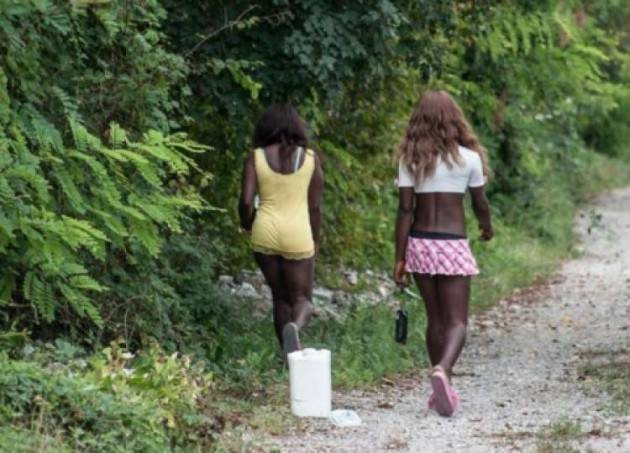 Giovani ragazze nigeriane costrette a prostituirsi, il riscatto grazie al progetto 'Oltre la strada'. Tribunale Bologna riconosce danni anche Comune Piacenza