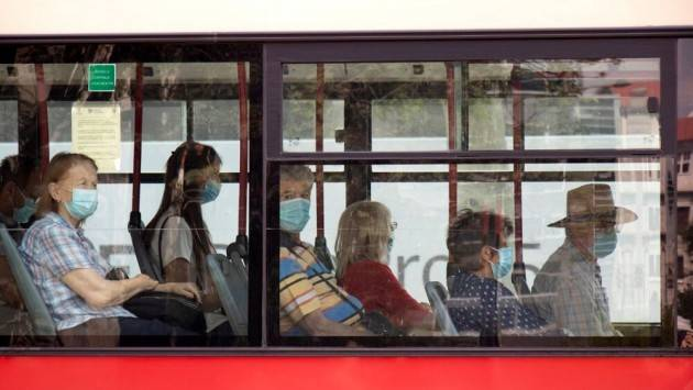 ADUC Trasporti pubblici e distanziamento. Il governo si è adeguato al popolo? Chi paga in salute?